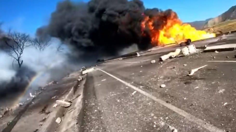 revelan-nuevo-video-de-la-brutal-explosion-en-la-autopista-tepic-guadalajara