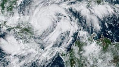 Poderoso-huracán-Eta-amenaza-declaran-alerta-roja