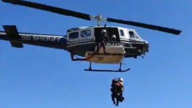 VIDEO-Rescatan-a-migrantes-enfermos-en-montaña