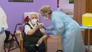 Araceli-de-96-años-la-primera-vacunada-contra-Covid-19-en-España