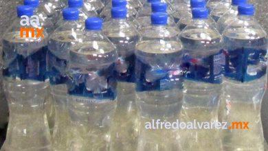 mujer-intento-cruzar-con-botellas-llenas-de-metanfetamina