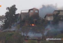 Fuerte-incendio-consume-cinco-casas-y-un-auto