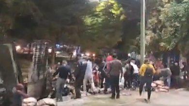 VIDEO-Tráiler-con-carga-de-carne-se-incendia-ciudadanos-hacen-rapiña