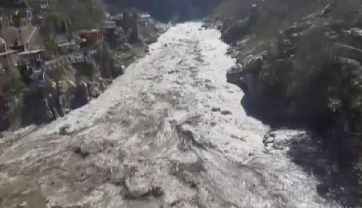Se-rompe-glaciar-hay-muertos-y-decenas-de-desaparecidos
