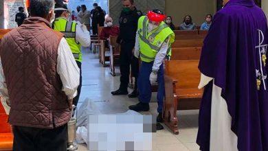 Ingresa-de-rodillas-a-iglesia-y-muere-frente-al-altar