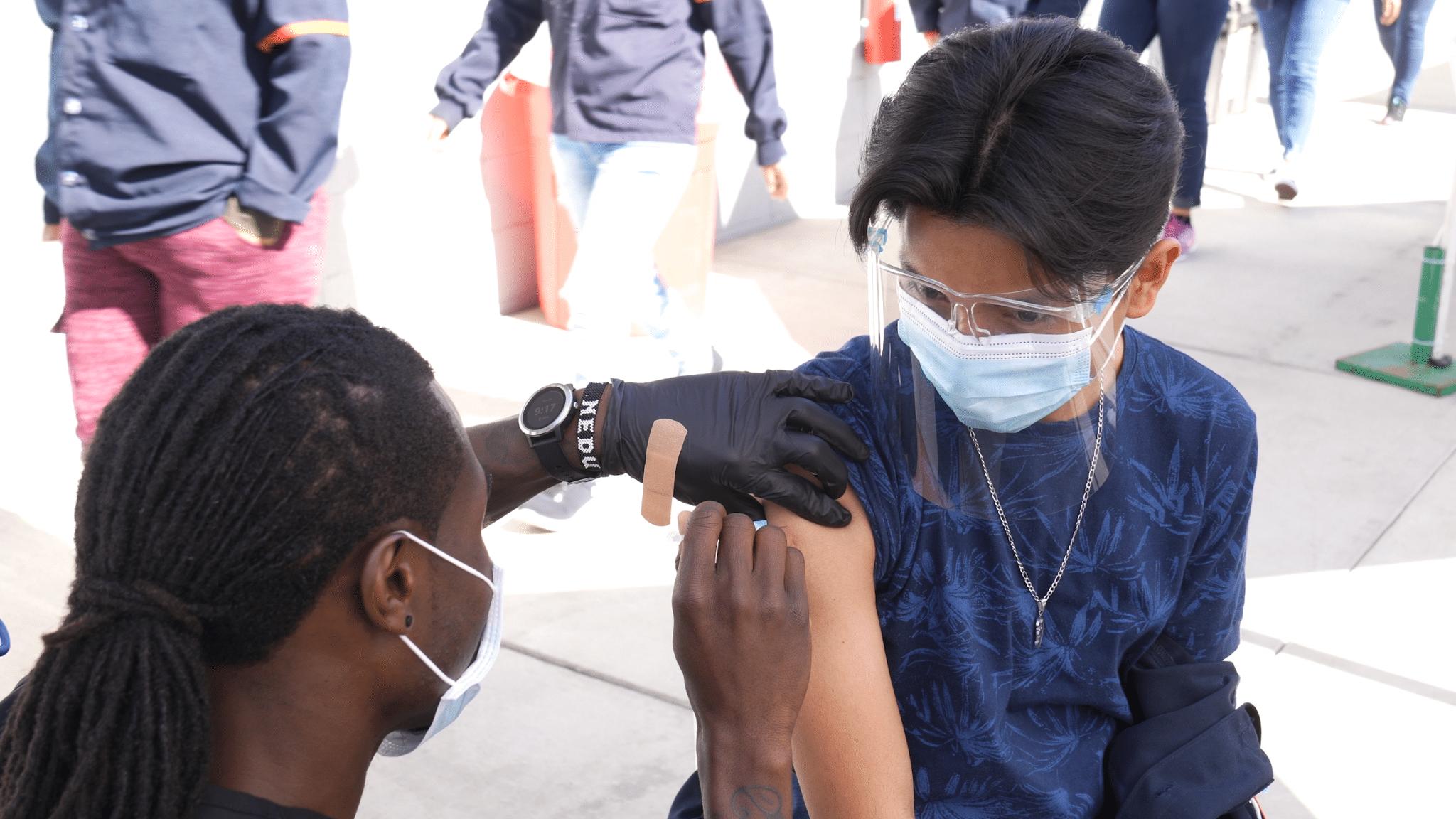 vacunaran-10-mil-trabajadores-de-maquiladoras