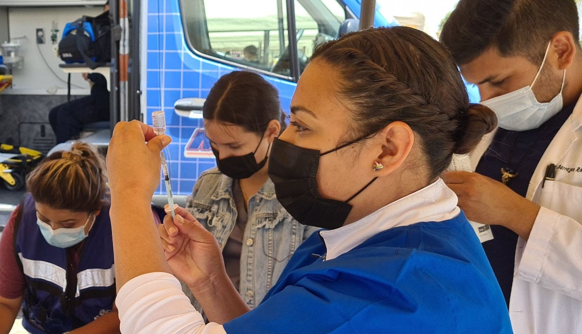 Continúa-vacunación-para-embarazadas-adultos-de-50-a-59-años-y-60