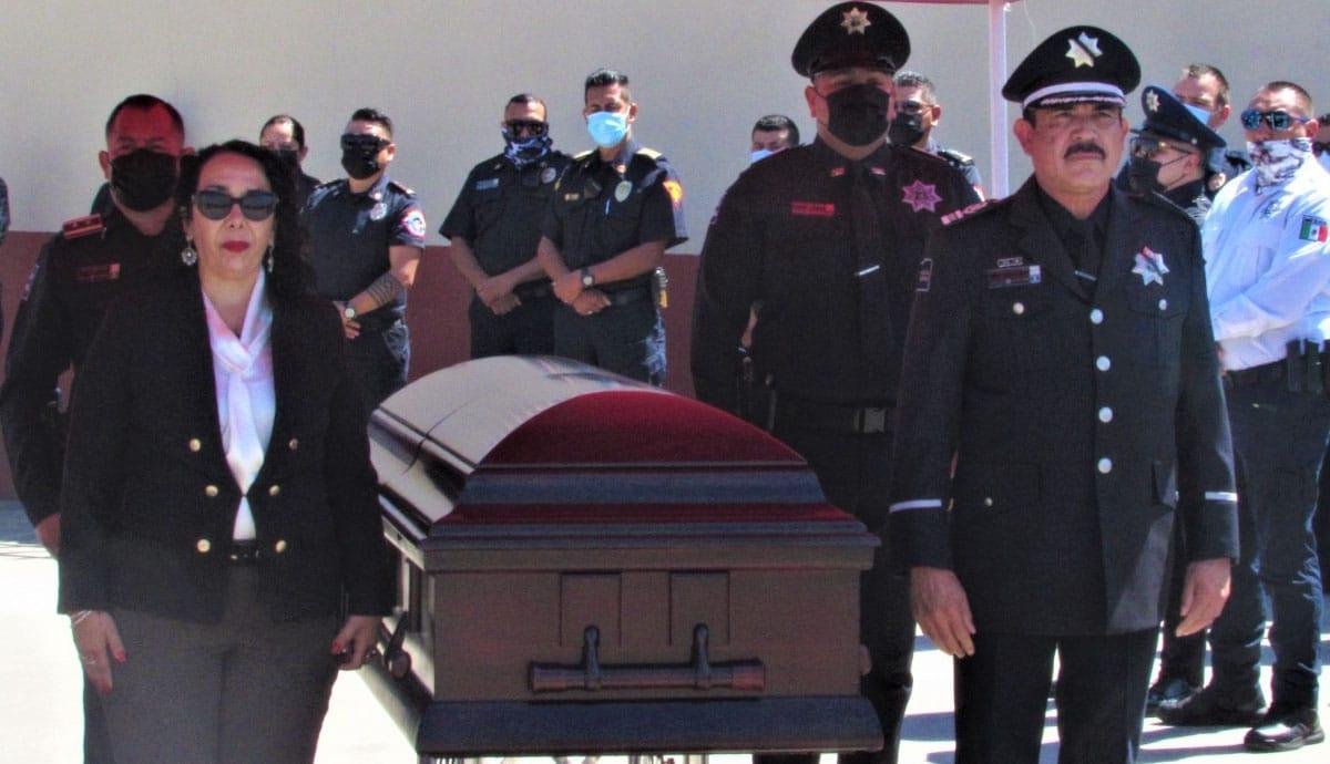 Rinden-homenaje-a-oficial-fallecido-en-cumplimiento-de-su-deber