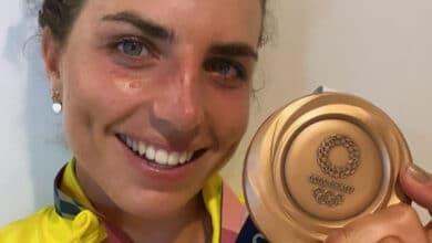 Repara-su-kayak-con-condón-y-gana-medalla