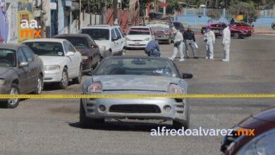 Ataque-armado-contra-familia-a-bordo-de-auto-muere-conductor