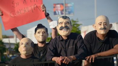 A-horas-de-la-consulta-máscaras-y-consignas-recorren-el-país