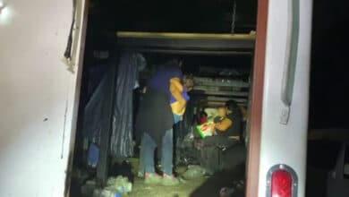 Rescatan-a-130-migrantes-hacinados-en-caja-de-camión