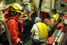 Marina-rescata-a-16-personas-en-Ensenada