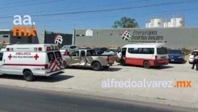 Fuerte-choque-entre-cuatro-vehiculos-incluido-un-taxi