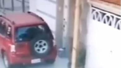 VIDEO-Paquete-bomba-explota-frente-a-vivienda