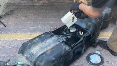 Circulan-con-tanque-de-gasolina-adaptado-y-kilos-de-droga