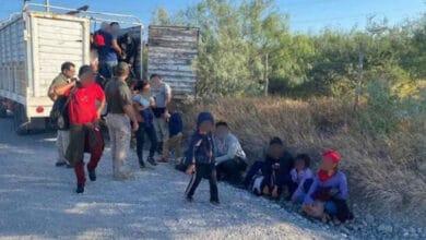 Rescatan-a-centenar-de-migrantes-abandonados-en-camión